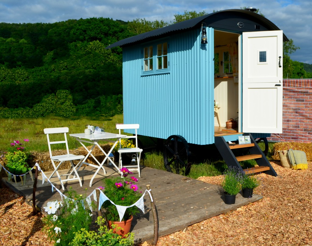 Garden hut white peak shepherd huts for Garden hut sale