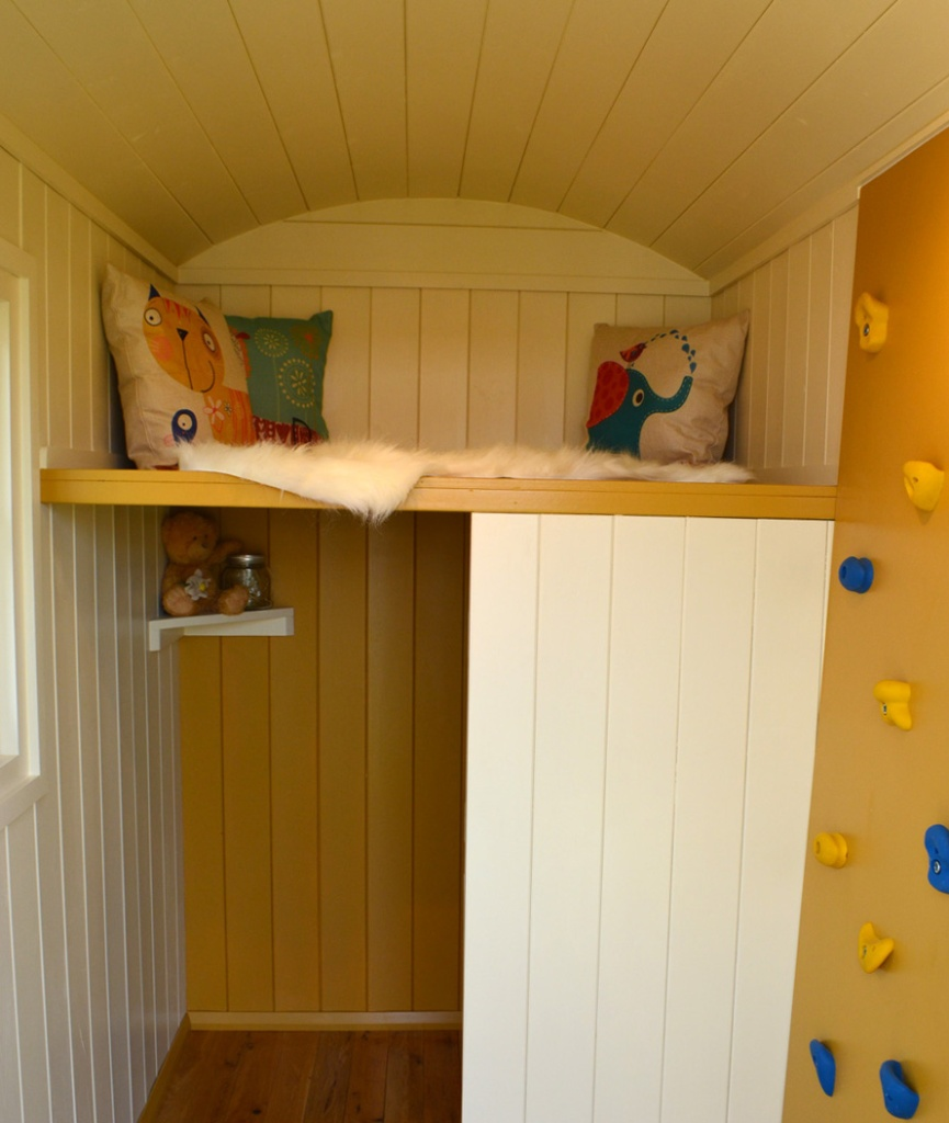 Small shepherd hut